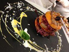 Burger de fruits réalisé lors du cours de cuisine Free-Ka-Move. Kakis rôtis au bissap, fruits rouges, kiwi, noix de coco!