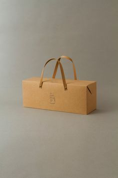 le pain boule / new gift box : brand logo & package design credits : creative direction: artless Inc. art direction & logo design : shun kawakami, artless design: artless tokyo client : YAMATO Co.,ltd.