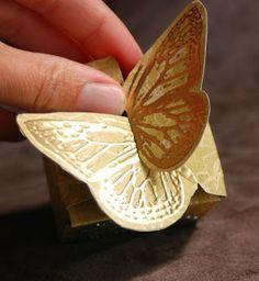 Cajas imprimibles con cierre de mariposa.
