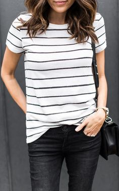 65 Amazing Casual Stripe Outfits Ideas for Women - Fashionetter Black Jeans Outfit Casual, Striped Top Outfit, Modest Casual Outfits, Striped Tee, Easy Outfits, Casual Shirt, Trendy Outfits, Look Fashion, Autumn Fashion