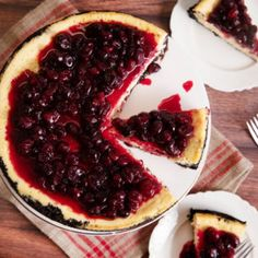 Reduced Sugar Cranberry Mascarpone Cheesecake Cranberry Cheesecake, Cranberry Recipes, Cheesecake Recipes, Holiday Recipes, Holiday Foods, Christmas Recipes, Delicious Chocolate, Delicious Desserts, Yummy Food