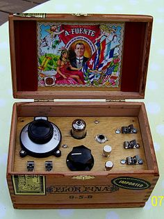 A cigar box radio... someone teach me how to make one of these.