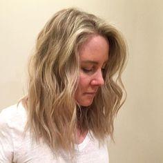 Another one of @mitchelldoesstuff 's babes! #balayage #avedasalon #avedacolor #edmonton #yeg #yeghair #headlinessalonspa #greatday #yegstyle #blonde #hair #beauty