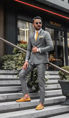 Formal Suit Outfit Ideas For Men Formal outfit ideas for men. Formal dress code for men.Formal outfit ideas for men. Formal dress code for men. Fashion Casual, Mens Fashion Blog, Mens Fashion Suits, Men Casual, Fashion Shops, Urban Fashion, Casual Menswear, Jackets Fashion, Fashion Addict