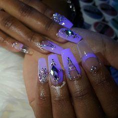 Acrylic nails w/ glow in the dark powder Gold Glitter Nails, Rhinestone Nails, Purple Nails, Bling Nails, Fancy Nails, Trendy Nails, Cute Nails, Boxing Day, Nailart