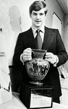 Sportsman of the year 1970 Mlb Teams, Hockey Teams, Hockey Players, Hockey Stuff, Hockey Shot, Bobby Orr, Boston Bruins Hockey, Boston Sports, Sports Figures