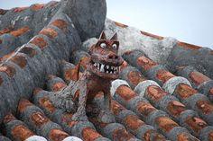 シーサー(Sheesā), the traditional guardian lion dogs on roof tops or gate posts to ward off evil spirits unique to Okinawa, Japan, often in pairs.
