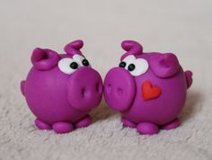 :: two pigs in love :