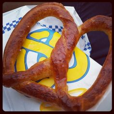 Best pretzel in the world i think lol~~anyway its an original pretzel with salts  Its like a bread~ soft bread♡