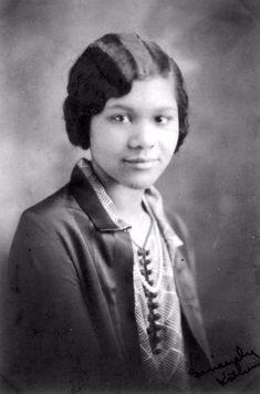 That's what African American girls of the 1920s looked like.