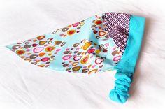 Ob als Sonnenschutz, oder auch an kühleren Tagen über die Ohren gezogen - so ein Kopftuch sieht immer irre süß aus!    Viel Freude damit!