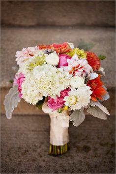 bright bridal bouquet by A New Leaf Flower Shoppe #weddingflowers #bouquet #weddingchicks http://www.weddingchicks.com/2014/03/04/funky-seaside-wedding/