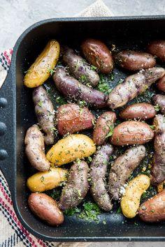 Garlic Roasted Potatoes - The Roasted Root Garlic Roasted Potatoes, Fingerling Potatoes, Potato Sides, Potato Side Dishes, Gluten Free Recipes, Vegetarian Recipes, Root Recipe, I Foods, Crisp