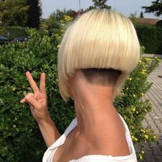 Undercut graduated bob with clippered blocked nape (Bob with an awesome nape…