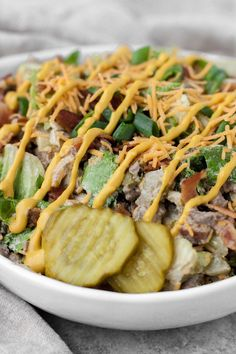 This keto and low-carb Bacon Cheeseburger Salad is packed with flavor and will keep you full and energized for hours! This recipe is keto,. Low Carb Keto, Low Carb Recipes, Healthy Recipes, Gluten Free Recipes For Lunch, Cheeseburger Salad Recipe, Crockpot, Paleo, Healthy Eating Tips, Keto Dinner