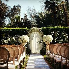 Heartfelt floral aisles decor for outdoor wedding