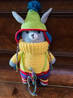 O35 - Llorenzo de Llama Crochet Hats, Homemade, Christmas Ornaments, Holiday Decor, Home Decor, Knitting Hats, Decoration Home, Home Made, Room Decor