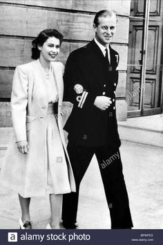 England: Princess Elizabeth & Lieutenant Philip Mountbatten [later Queen Elizabeth II & Prince Philip] announce their engagement on July Princesa Elizabeth, English Royal Family, British Royal Families, Windsor, God Save The Queen, Young Queen Elizabeth, Prinz Philip, Reign, Elizabeth Ii
