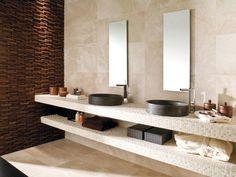 sandstein-fliesen-optik-relaxsessel-ideen-gestaltung-für-bad, Wohnzimmer dekoo