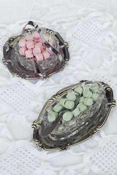 pastiglie leone in portacaramelle vintage - candies