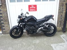 So I take in my bike to the garage to have a lil tinker and they give me a Yamaha FZ1 to play with till they are finished... I must not fall in love