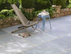 Mandalay Blue Riven from Mandarin Stone: A cost-effective yet striking grey/blue Limestone suitable for interior and exterior use. A riven texture makes for a naturally slip resistant surface. #outdoor #stone http://www.mandarinstone.com/products/limestone/mandalay_blue_riven#