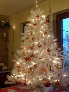 nice for a white tree idea