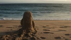 Animated on location at a beach, in snow, and underwater, this stop-motion short details a transoceanic conversation between two characters via objects in a bottle.     Written, directed, animated, edited, and sound by Kirsten Lepore