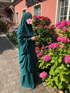 "Mein neuer ""Loubna Design"" Jilbab von ""Zayna Jilbab"" – Jilbabella's Blog Turkish Fashion, Islamic Fashion, Muslim Fashion, Modest Fashion, Hijab Fashion, Fashion Outfits, Girl Hijab, Hijab Outfit, Niqab"