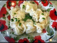 Вонтоны родом из Китая - это разновидность пельменей (мантов), которые готовят на пару, варят или жарят в растительном масле. Для вонтонов продают готовое те...