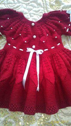 Yakadan başlama yaprak desenli elbise yapımı » By hatice Baby Cardigan Knitting Pattern, Baby Knitting Patterns, Baby Patterns, Rib Stitch Knitting, Baby Girl Sweaters, Kids Frocks Design, Frock Design, Crochet Baby Clothes, Sweater Design