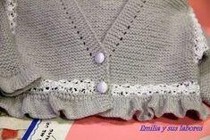 Chaqueta bebé gris y perlé Una chaqueta para bebé en gris, un color de moda, y el toque clásico del ...