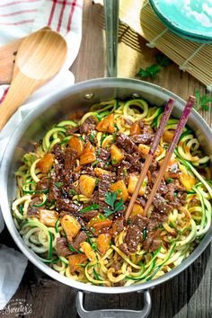 One Pan Mongolian Beef Zoodles- the perfect easy weeknight meal! Best of all, comes together in 30 minutes, just one pot to clean & way better than takeout! Low Carb Dinner Recipes, Keto Dinner, Diet Recipes, Cooking Recipes, Recipies, Cooking Zoodles, Easy Zucchini Recipes, Vegetable Recipes, Easy Recipes