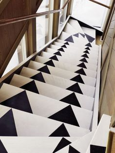 Colorful Stair Runners for Your Wooden Stairs: Unique Arrow Stair Runner Design Used Black And White Color Style Used Wooden Fence Decoration Ideas For Inspiration ~ SFXit Design Interior Inspiration