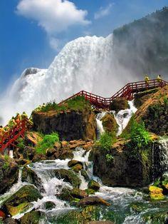 Side view of Niagara Falls