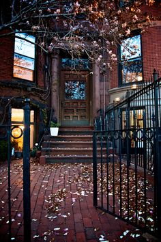 northern-sass:  Love the gate and the entrance!