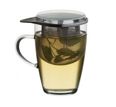 Tea-4-One -This glass hold 12oz of your preferred beverage. It comes with a metal tea strainer, and a lid. Perfect for tea lovers on the go! Check out our website: www.simax.com Cool Kitchen Gadgets, Cool Kitchens, Kitchen Tools, Kitchen Appliances, Asian Tea, Tea For One, Tea Glasses, Tea Strainer, Teapots And Cups