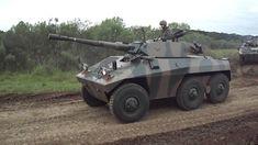 EE-9 Cascavel con 90 millimetri Cannon