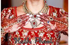 Joias Indianas – Hath Phool   na tradução significa flores nas mãos