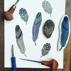 ― Viktoria Åströmさん( 「I have had so much use for my old feathers carvings, that I decided to carve two more and here they…」 Stamp Carving, Textile Prints, Linocut Printmaking, Carving, Print Making, Linocut Prints, Printing On Fabric, Prints, Feather