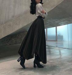 Aesthetic Fashion, Look Fashion, Aesthetic Clothes, Hijab Fashion, Korean Fashion, Fashion Dresses, Fashion Design, Modesty Fashion, Aesthetic Outfit