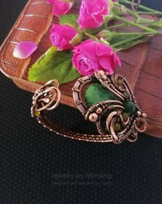 Flower cuff bracelet. Flower bangle. Green bracelet. Copper wire wrapped bracelet. Medieval Queens bracelet. Elven jewelry. Game of Thrones.  Stylish flower bracelet from copper with jasper and pearl. Width is 4,2 cm (1,65) Length is 18 cm (7). You can change the size around your