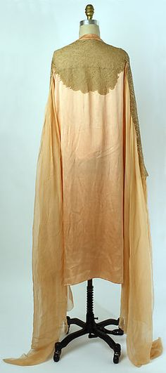 Tea gown, Christopher, 1920, silk and cotton, The Metropolitan Museum of Art.