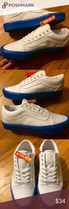 8038e463eb Vans Old Skool Lightweight True White Ultracush insole! Great condition as  pictured above! Comes with the original box and an extra set of shoe laces
