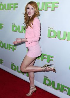 :) How are you Bella Thorne? Love from Mark Shavick Bella Thorne, Beautiful Redhead, Beautiful Celebrities, Talons Sexy, Girls In Mini Skirts, Sexy Legs And Heels, Le Jolie, The Duff, Beautiful Legs