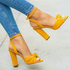 high heels – High Heels Daily Heels, stilettos and women's Shoes Pretty Shoes, Beautiful Shoes, Cute Shoes, Me Too Shoes, Dream Shoes, Crazy Shoes, Stilettos, Fashion Shoes, Style Fashion
