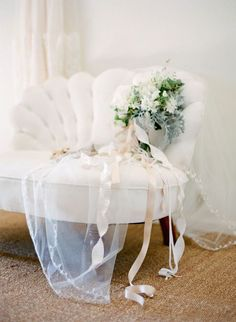 Not only is this bouquet beautiful ... but this chair!!! Photo via Plum Pretty Sugar