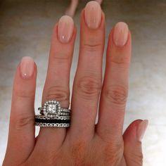 Natural pink oval shaped nails