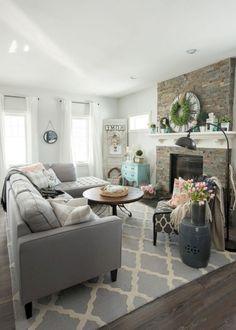 40 Interesting Shabby Chic Living Room Designs Ideas #shabbychiclivingroom #livingroomdesignideas #livingroomdesigns