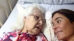 The Stir-Mom With Alzheimer's Recognizes Daughter in Bittersweet Viral Video